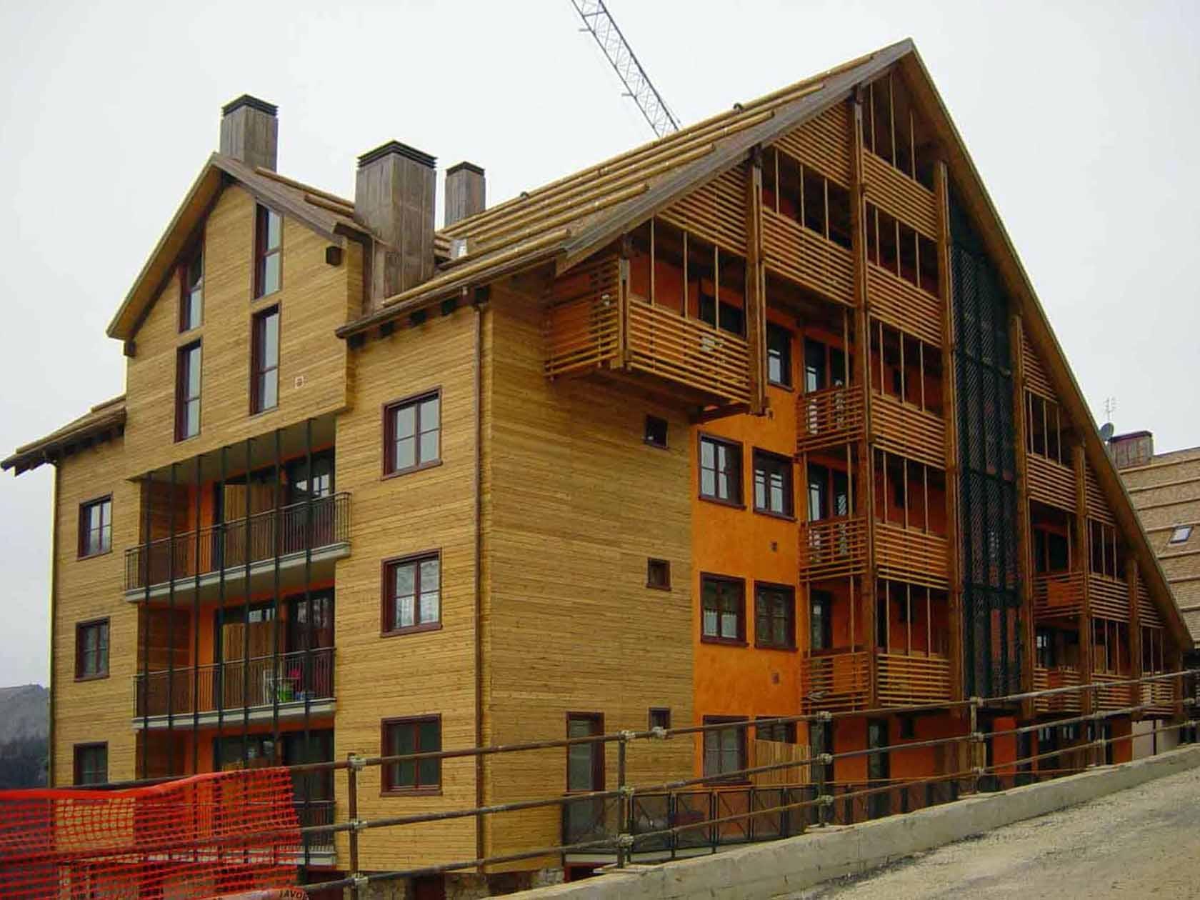 Stalle lunghe edifici residenziali l19 20 21 22 23 24 for Progettazione di edifici residenziali